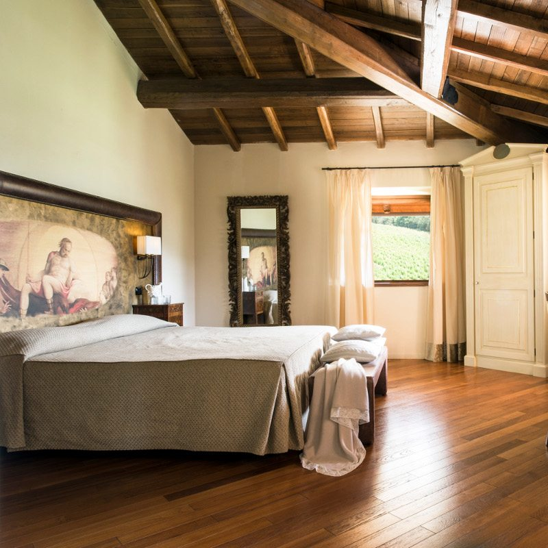 http://www.hotelvillacampomaggio.it/wp-content/uploads/2016/02/camera42.jpg
