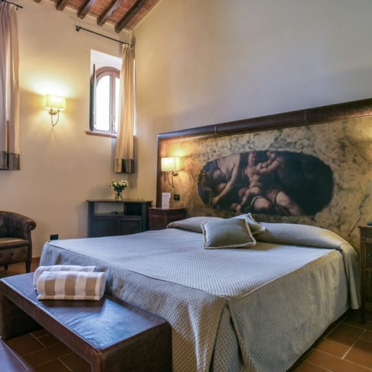 http://www.hotelvillacampomaggio.it/wp-content/uploads/2016/03/ROOM25-540x540.jpg