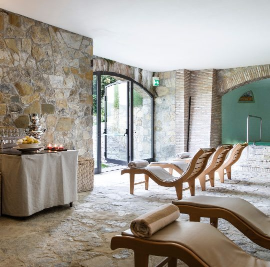 http://www.hotelvillacampomaggio.it/wp-content/uploads/2016/03/relax1-540x533.jpg