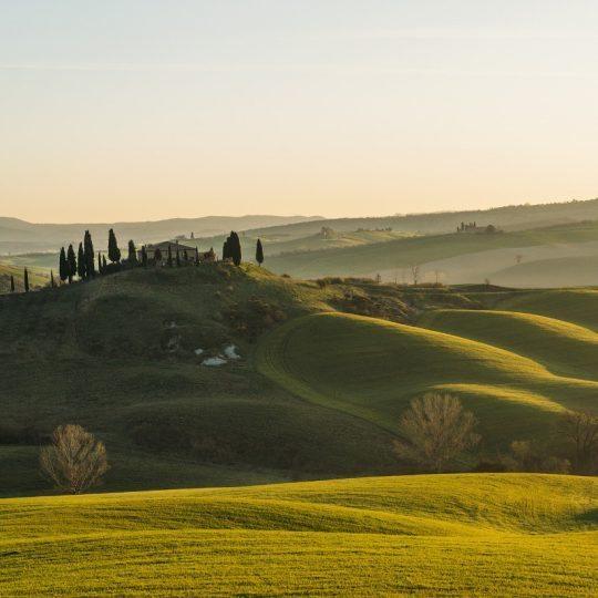http://www.hotelvillacampomaggio.it/wp-content/uploads/2016/03/tuscany-1341536_1920-540x540.jpg