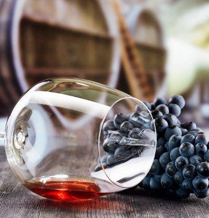 http://www.hotelvillacampomaggio.it/wp-content/uploads/2016/05/Winetasting.jpg