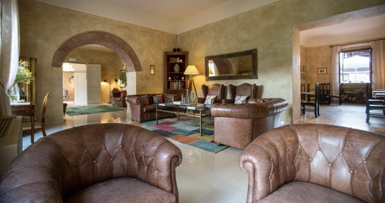 http://www.hotelvillacampomaggio.it/wp-content/uploads/2016/05/home2.jpg