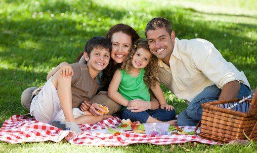 http://www.hotelvillacampomaggio.it/wp-content/uploads/2016/05/summer-family-fun-ftr.jpg